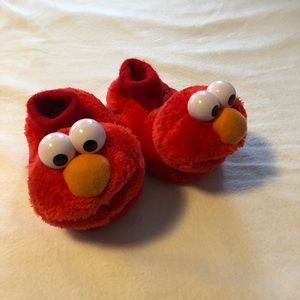 Kids Elmo slippers size 5/6